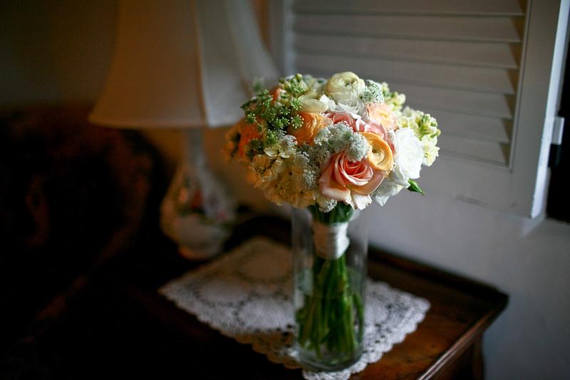 bok tower wedding photo, wedding bouquet