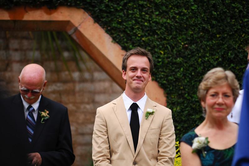 bok tower wedding picture, groom seeing bide,