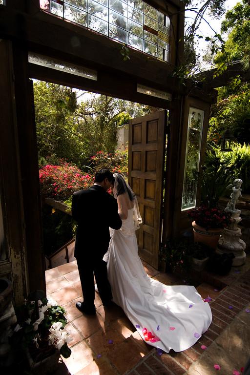 tivoli terrace wedding photo, bride and groom,
