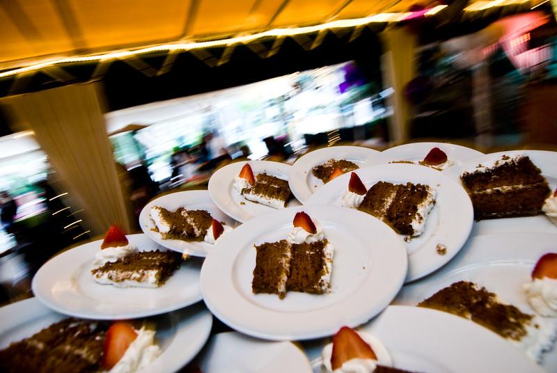 tivoli terrace wedding photo, wedding cake,