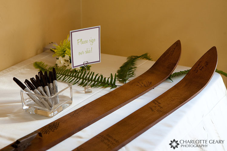 Skis as guestbook at a winter wedding