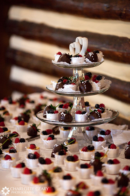 Wedding cake cheesecakes
