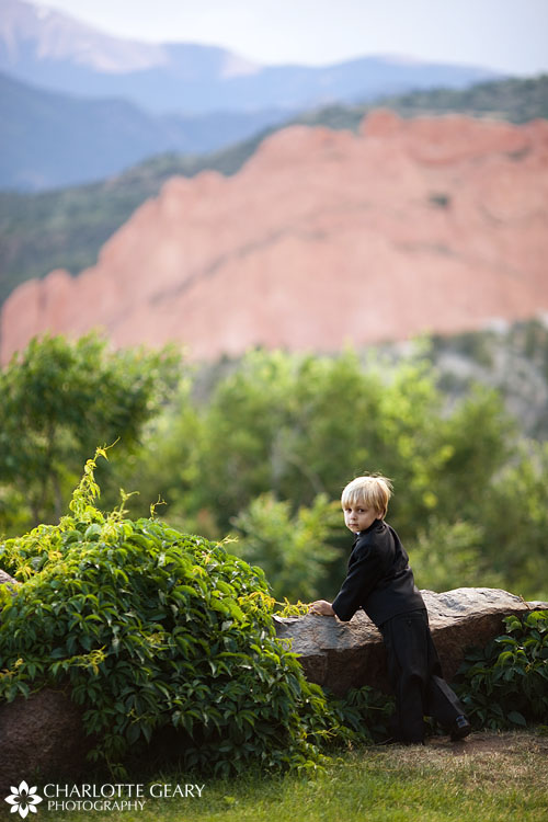 Ring bearer at the Garden of the Gods Club