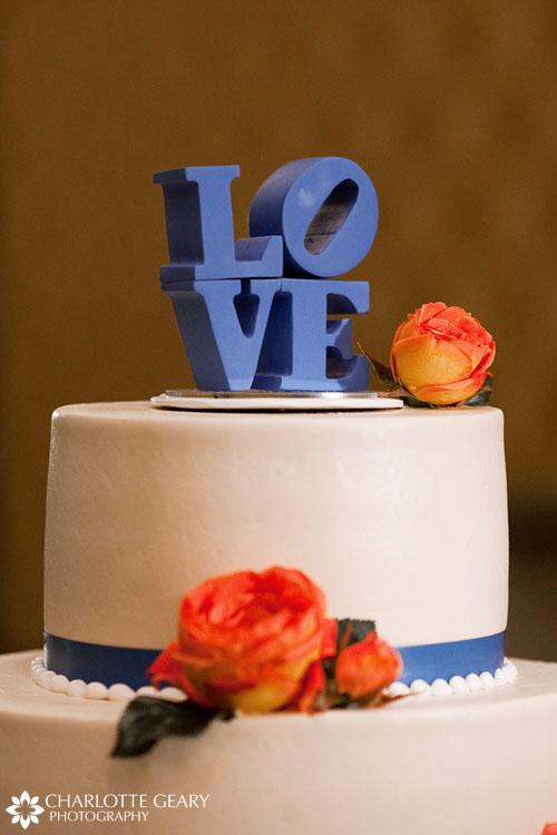 Love statue cake topper