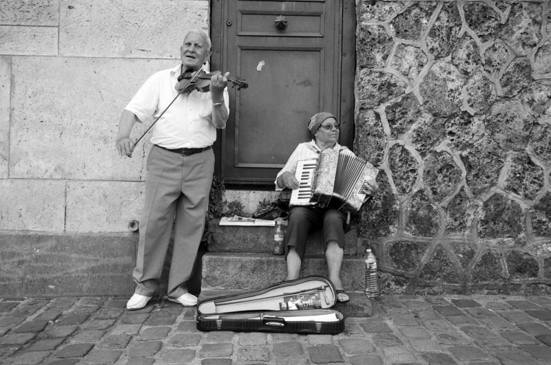 Buskers in Paris
