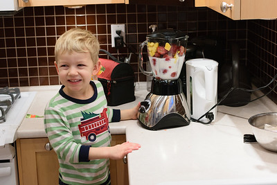 We woke up to find that Erik had done up his own smoothie!
