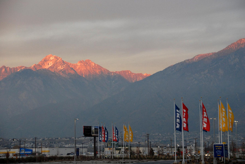 11/12/07 – I had meetings in Salt Lake City all afternoon. On my way home I stopped at IKEA to get some things for my office. When I came out the sun had set and was just touching the very top of the mountain peeks.