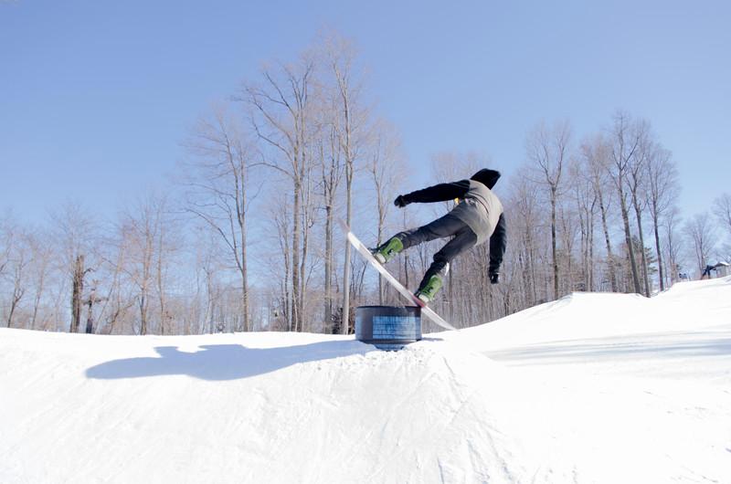 Snow-Trails-Rail-Jam-8087.jpg