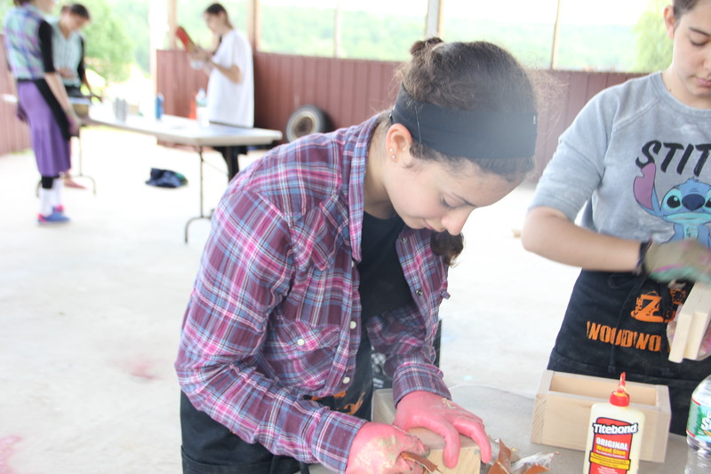 kars4kids_thezone_camp_GirlDivsion_workshops_WoodWorking (49).JPG