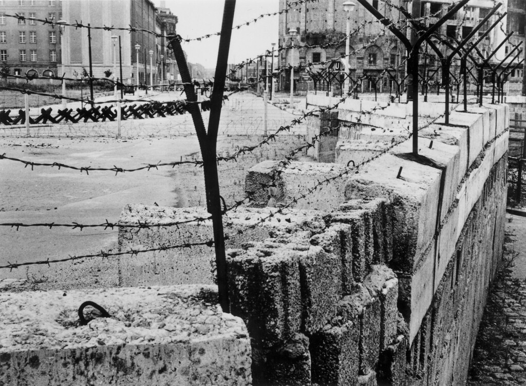 . A section of the Berlin Wall at Potsdamer Platz, August 1962, maintained by the German Democratic Republic between 1961 and 1989.  (Photo by Central Press/Getty Images)
