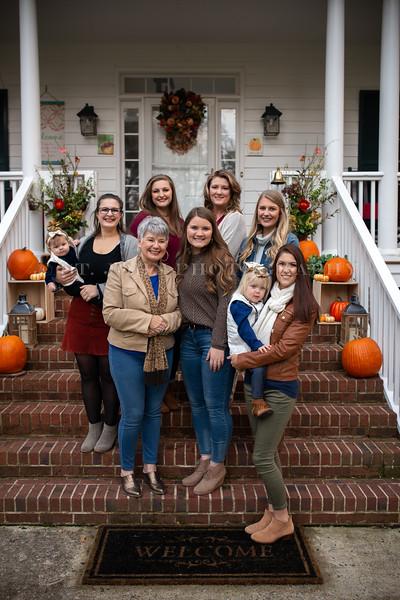 2019 November Ellis Family-203-159.jpg