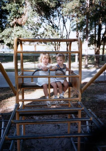 1985_Fall_New_Home_in_Longwood_0007_a.jpg