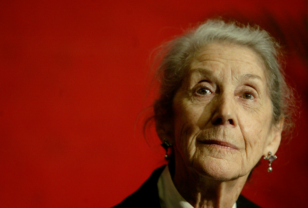 . Nobel Prize-winning author Nadine Gordimer, of South Africa,  listens to a question during a news conference on the Guadalajara International Book Fair at Guadalajara\'s Expo, Sunday, Nov. 26, 2006, in Mexico. (AP Photo/Guillermo Arias)