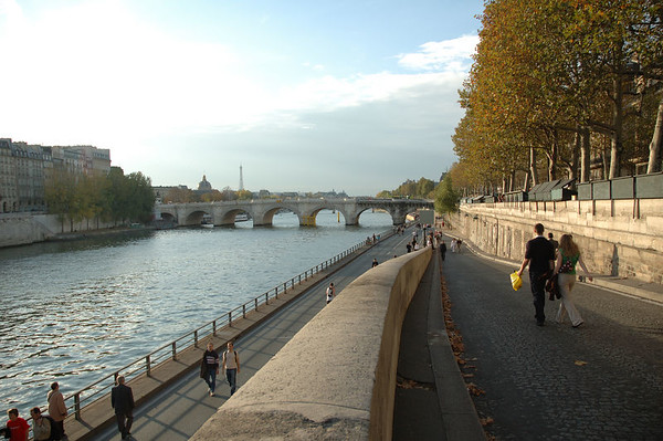 2005-10-30 Paris
