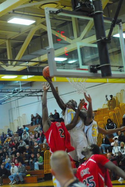 20090301_MCC Basketball_5555.JPG