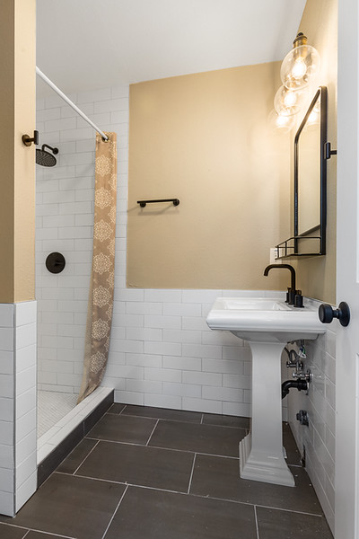 Master bathroom - reshoot