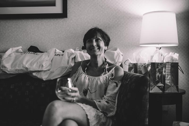 Philadelphia Wedding Photographer - Bernreuther-36.jpg