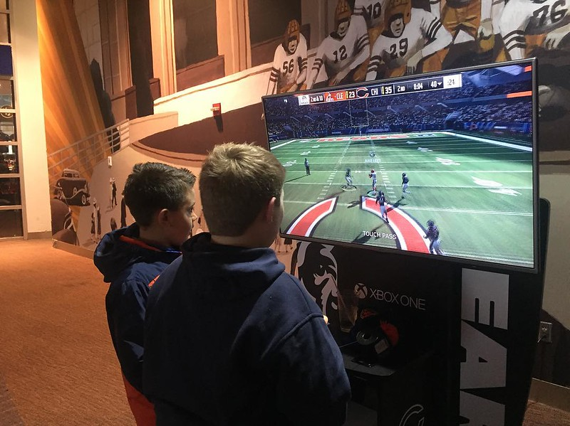 The #bears and #browns look pretty competitive with teens on an #Xbox