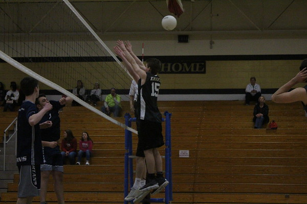 4-10 FHN Varsity Boys Volleyball vs FHC
