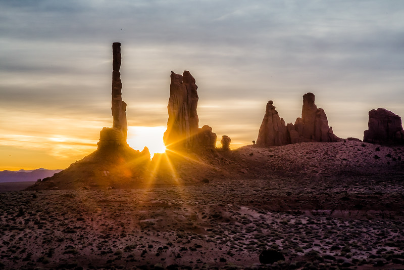 Sunrise tour in Monument Valley