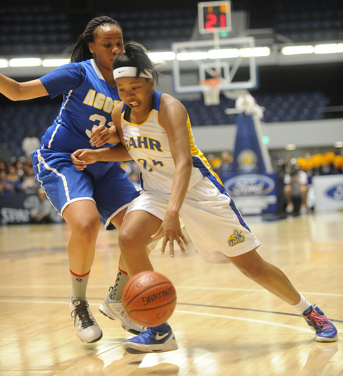 . 02-27-2012--(LANG Staff Photo by Sean Hiller)- Gahr vs. Agoura in Wednesday\'s girls basketball D3AAA title game at Anaheim Arena. Agoura\'s Gigi Olelewe (32) pressures Gahr\'s Jasmine Gates (24).