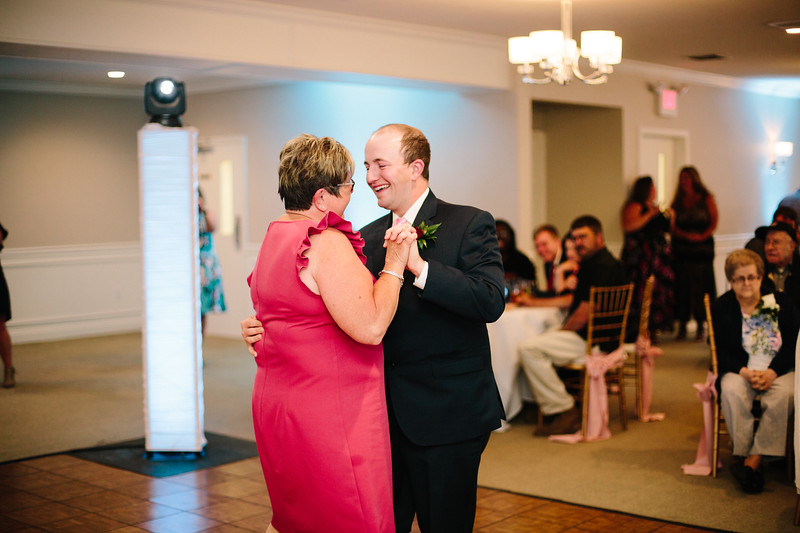 amie_and_adam_edgewood_golf_club_pa_wedding_image-990.jpg
