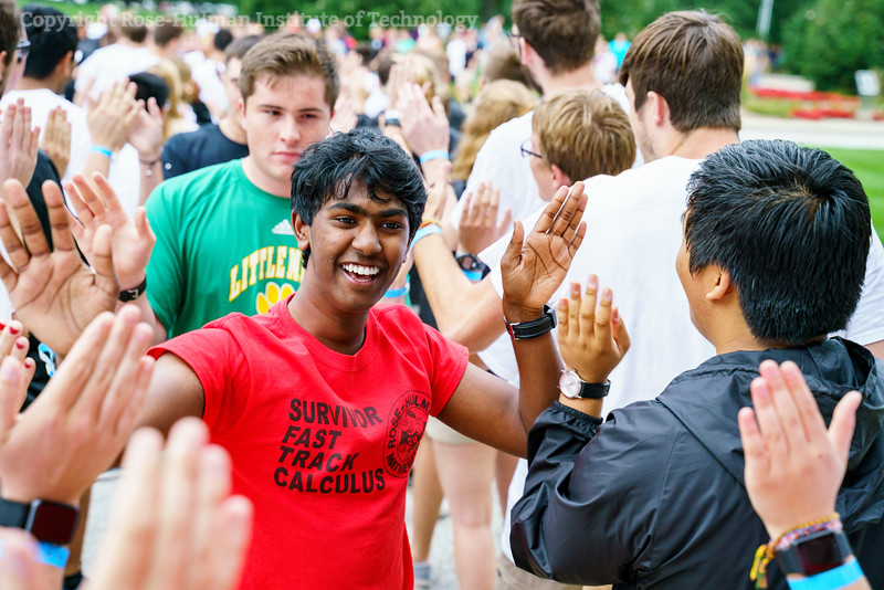 RHIT_Freshman_Orientation_2018_High_Five_Tunnel-0338.jpg