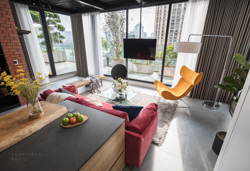 Skyline Hoang Cau Apartment by RAY Architecture