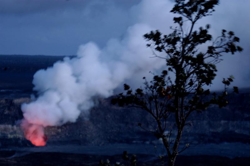 288- 20080412- Hawaii 15- Volcano Nat'l Park Plume Night shots DSC_3198.jpg