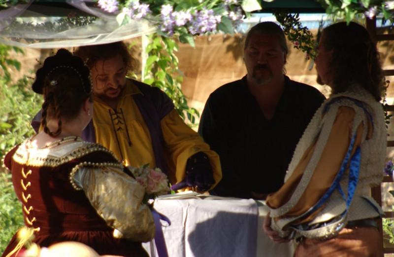 RF-WeddingInRoversPavilion003.jpg