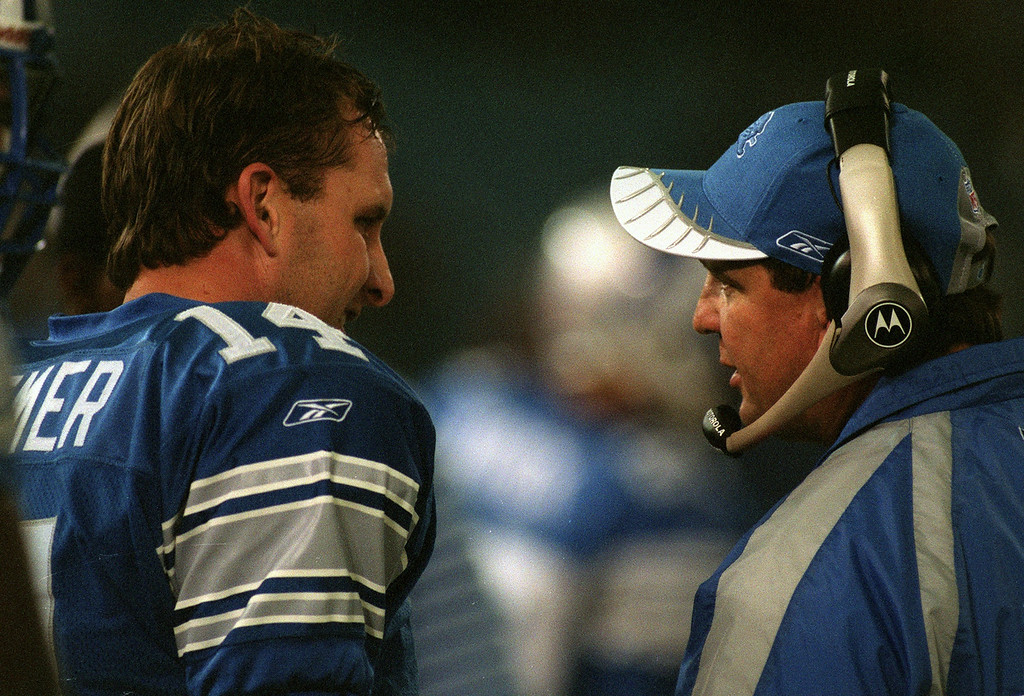 . Detroit Lions Head Coach Marty Mornhinweg (right) talks with quarterback Ty Detmer on the sidelines  late in the Detroit Lions\' 24-0 loss to the Chicago Bears at the Pontiac Silverdome Sunday