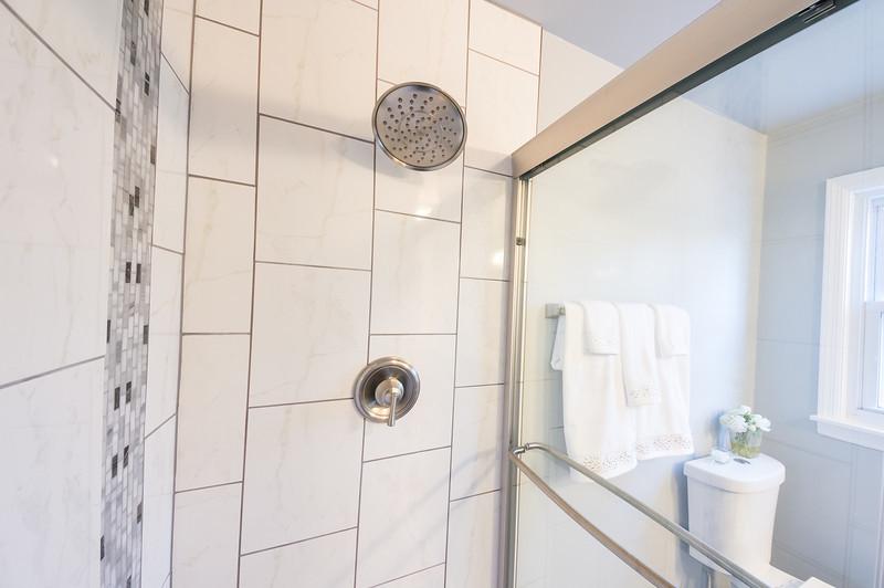 shady-sony-master-bathroom-01507.jpg