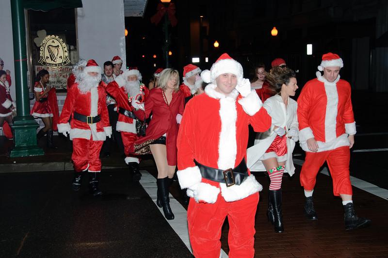 2009 ALS Santa Crawl-37.jpg