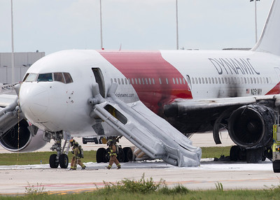 2015-10-29 Plane catches fire at Fort Lauderdale Airport