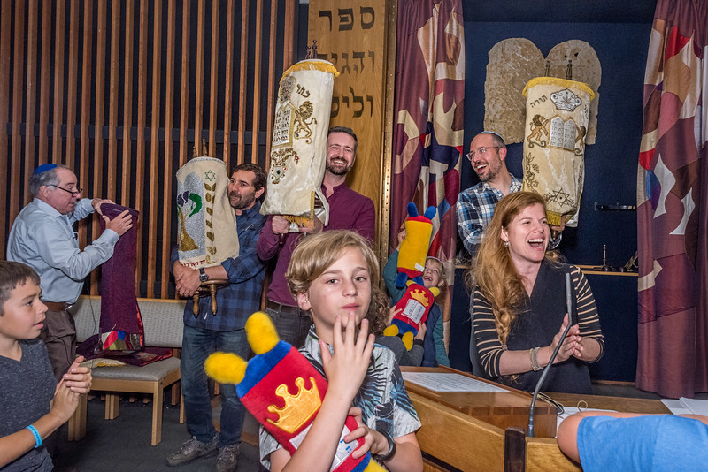 Simchat Torah-167.jpg