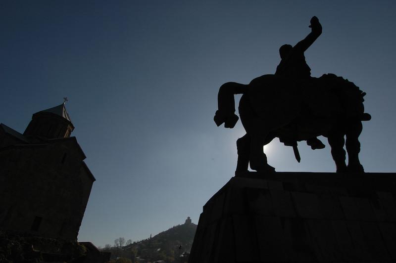 041119 1316 Georgia - Tbilisi - Church over river _C _E _H _N ~E ~L.JPG