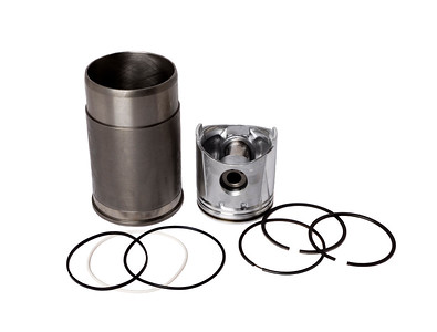 JOHN DEERE PISTON LINER KIT WITH RINGS RE24458