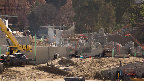 Disneyland Resort, Disneyland, Frontierland, Critter Country, Star Wars Land, Star Wars, Construction, Mickey, Friends, Parking, Structure