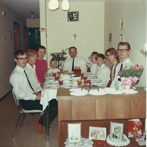 Breitkreutz Family 1970.jpg