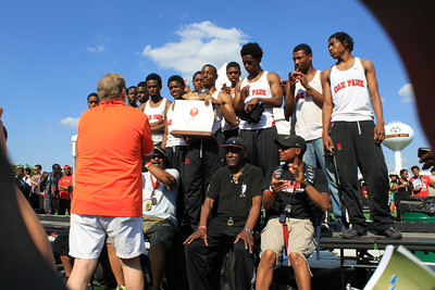 D1 Boys' Team Awards - 2014 MHSAA LP T&F Finals