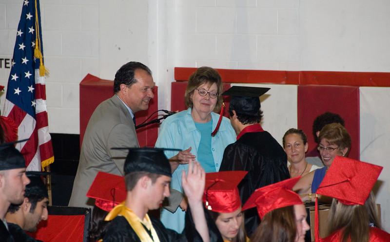 Line of Students Getting Diplomas   (Jun 03, 2007, 03:13pm)