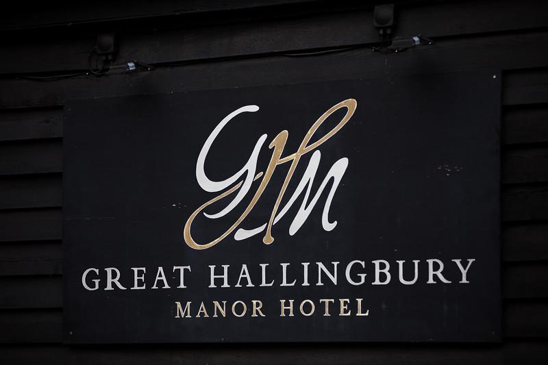Sam_and_Louisa_wedding_great_hallingbury_manor_hotel_ben_savell_photography-0007.jpg