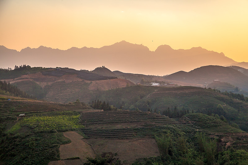 Sapa Rice Terraces Sun BeamsIMG_6632.jpg