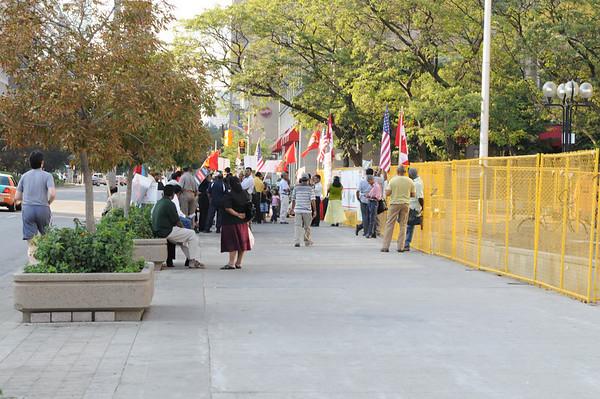 அமெரிக்கத் தூதரகத்தின் முன் 100  நாட்களை கடந்து தொடர் விழிப்புப் போராட்டம் - University Avenue