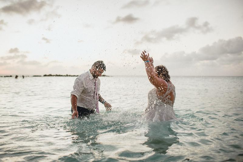 Requiem Images - Aruba Riu Palace Caribbean - Luxury Destination Wedding Photographer - Day after - Megan Aaron -80.jpg
