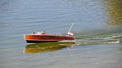 RC Chris Craft Model Boat