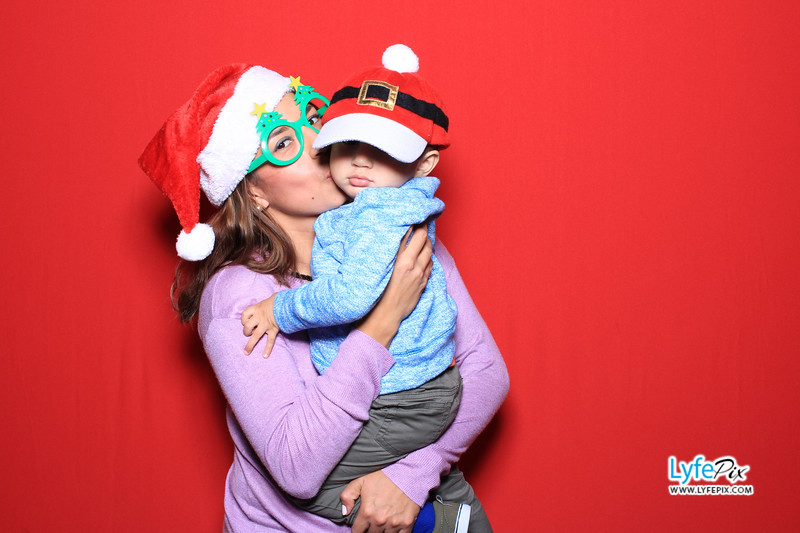 eastern-2018-holiday-party-sterling-virginia-photo-booth-0092.jpg