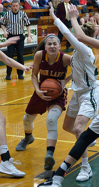 Avon Lake puts up a fight but falls to Strongsville