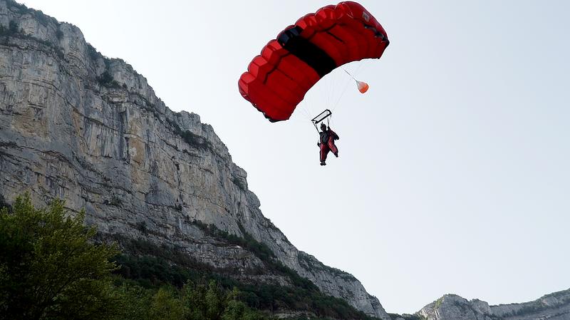 vercor_saut_landing.jpg