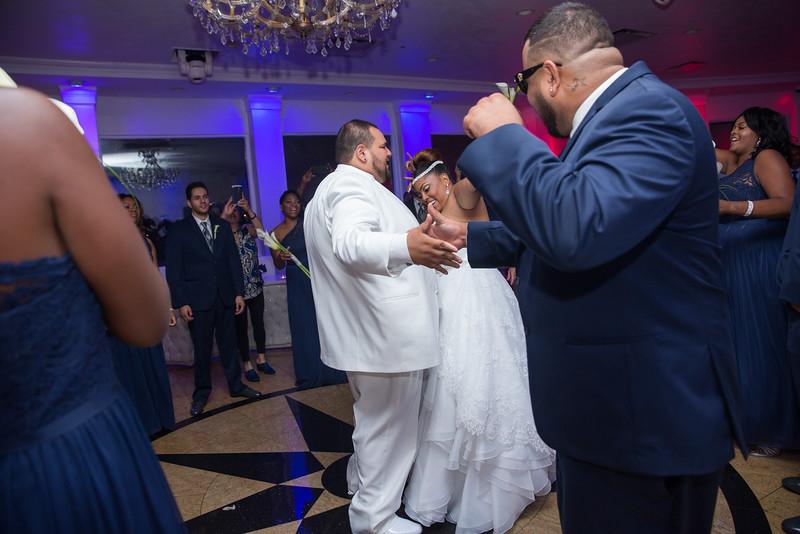 MER__0870_tonya_josh_new jerrsey wedding photography.jpg